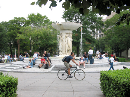 dupontcircle--biker-city-of-wsashington-dc-nightlife-image-9076.jpg
